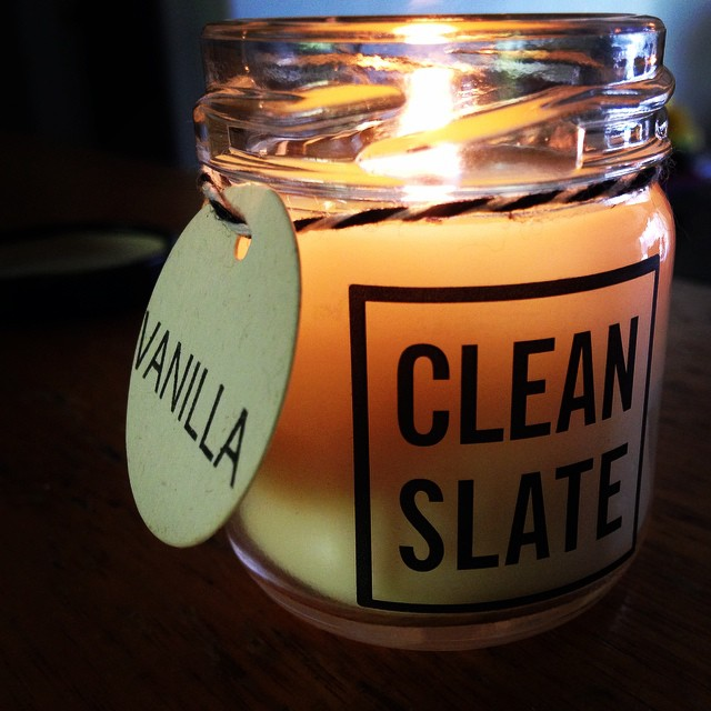 Trying out my new candle! Thanks @suzirice ? #soycandle #vanilla #cleanslate